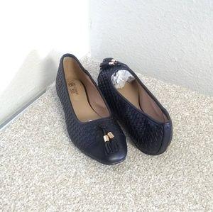 Avon Cushion Walk Tassel Accent Loafers
